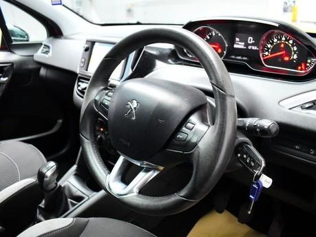 Peugeot 208 STYLE 2