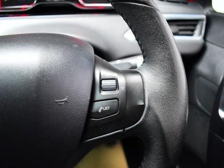 Peugeot 208 STYLE 18