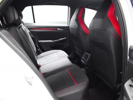 Volkswagen Golf GTI CLUBSPORT TSI DSG 11
