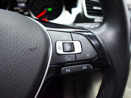 Volkswagen Golf GT EDITION TDI BLUEMOTION TECHNOLOGY DSG 19