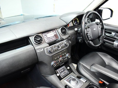 Land Rover Discovery SDV6 LANDMARK 14