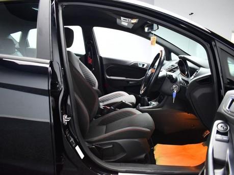 Ford Fiesta ST-LINE 8