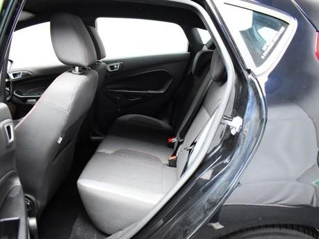 Ford Fiesta ST-LINE 11