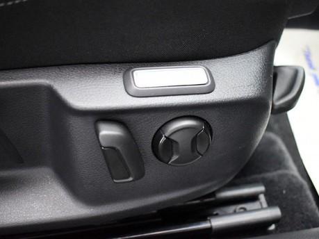Volkswagen Passat SE BUSINESS TDI BLUEMOTION TECH DSG 18