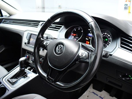 Volkswagen Passat S TDI BLUEMOTION TECHNOLOGY DSG 2