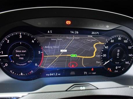 Volkswagen Passat GT TDI BLUEMOTION TECHNOLOGY 13