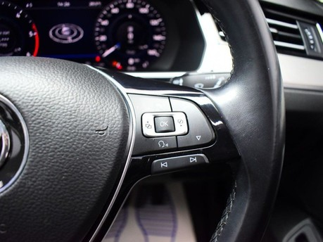 Volkswagen Passat GT TDI BLUEMOTION TECHNOLOGY 18