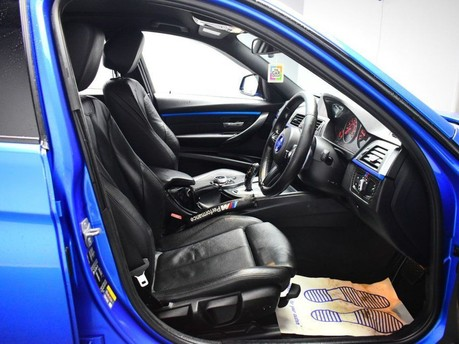 BMW 3 Series 330E M SPORT 10
