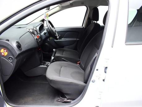 Dacia Sandero AMBIANCE SCE 10