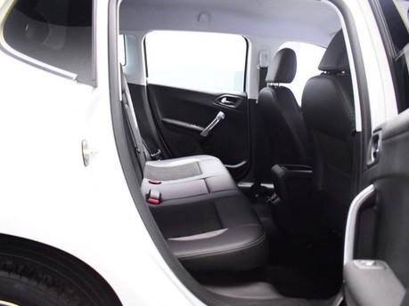 Peugeot 2008 E-HDI ALLURE 9