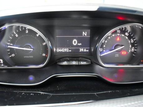 Peugeot 2008 E-HDI ALLURE 13
