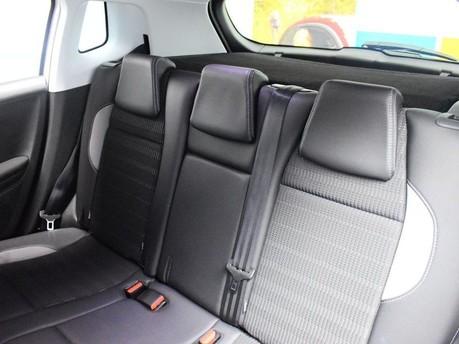 Peugeot 2008 E-HDI ALLURE 19