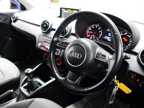 Audi A1 TFSI SE 2
