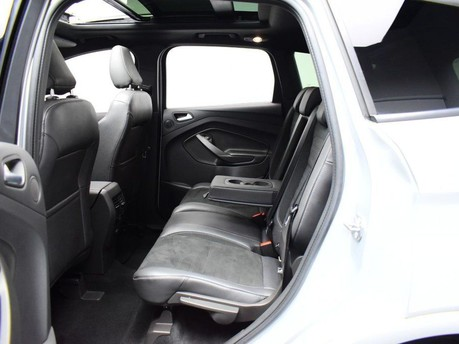 Ford Kuga 2.0 ST-LINE TDCI 5d 177 BHP 10