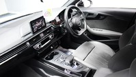 Audi A4 TFSI S LINE BLACK EDITION 2