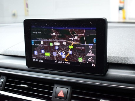 Audi A4 TFSI S LINE BLACK EDITION 3