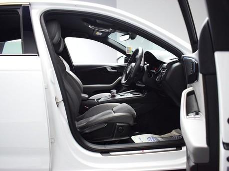Audi A4 TFSI S LINE BLACK EDITION 7