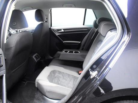 Volkswagen Golf GT TDI BLUEMOTION TECHNOLOGY 11