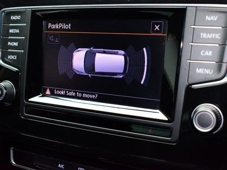 Volkswagen Golf GT TDI BLUEMOTION TECHNOLOGY 14
