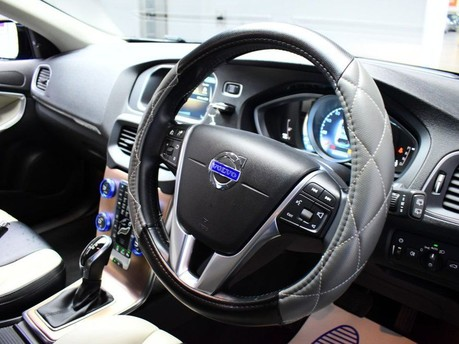 Volvo V40 D3 CROSS COUNTRY LUX NAV 2