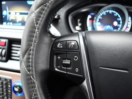 Volvo V40 D3 CROSS COUNTRY LUX NAV 15
