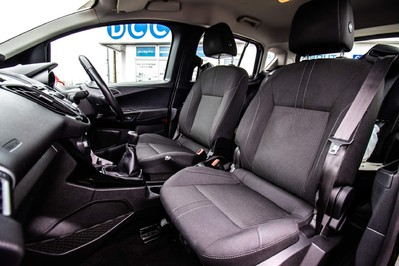 Ford B-Max ZETEC TDCI 29