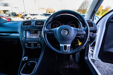 Volkswagen Golf MATCH TSI 32