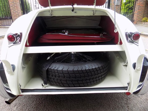 Jaguar XK XK120 OTS Roadster 3