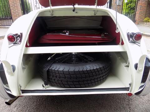 Jaguar XK XK120 OTS Roadster 9