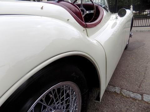 Jaguar XK XK120 OTS Roadster 16