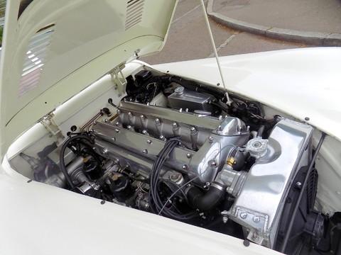 Jaguar XK XK120 OTS Roadster 19