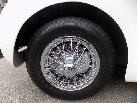 Jaguar XK XK120 OTS Roadster 36