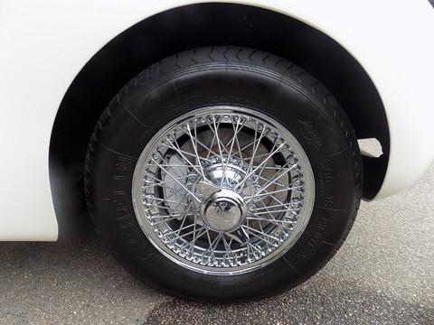 Jaguar XK XK120 OTS Roadster 39