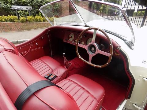 Jaguar XK XK120 OTS Roadster 48