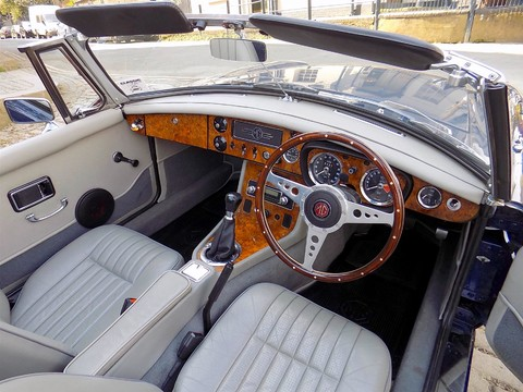 MG Roadster MGB Roadster 15