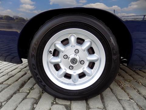MG Roadster MGB Roadster 32