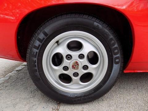 Porsche 924 924 S 26