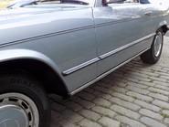Mercedes-Benz SL Series 280 SL 14