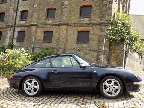 Porsche 911 993 CARRERA 2 19