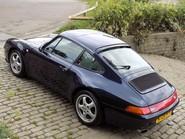 Porsche 911 993 CARRERA 2 33