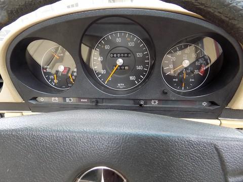 Mercedes-Benz SL Series 350 SL 25