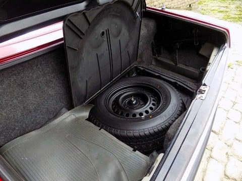 Mercedes-Benz SL Series 350 SL 37