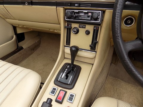 Mercedes-Benz SL Series 350 SL 38