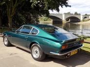 Aston Martin V8 Series 3 2