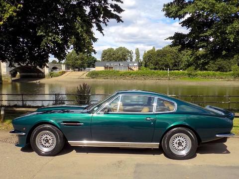 Aston Martin V8 Series 3 6