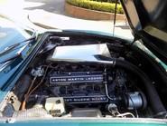 Aston Martin V8 Series 3 13
