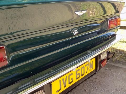 Aston Martin V8 Series 3 16