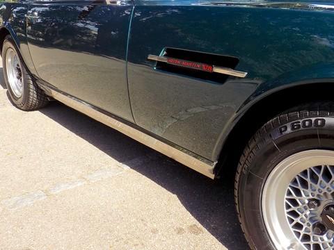 Aston Martin V8 Series 3 23