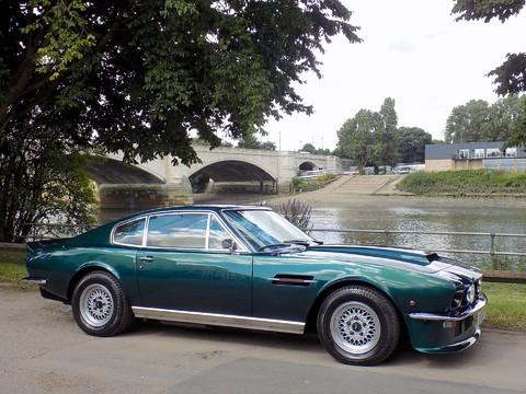 Aston Martin V8 Series 3 27