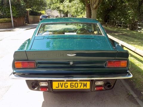 Aston Martin V8 Series 3 28